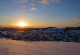 Minimum sněhu, víkend bez strojové úpravy